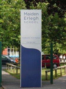 pic 9 - maiden erlegh school sign