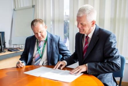 University of Reading and Royal Berkshire - Signing Handshake